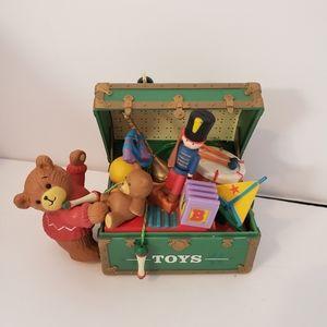 ViNtaGe Christmas Ornament Teddy Bear TOY BOX 1988